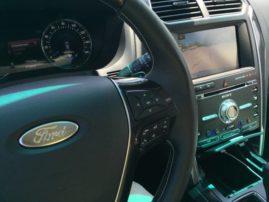 2016-ford-explorer-platinum-interior-10