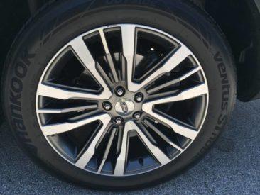 2016-ford-explorer-platinum-wheel-1