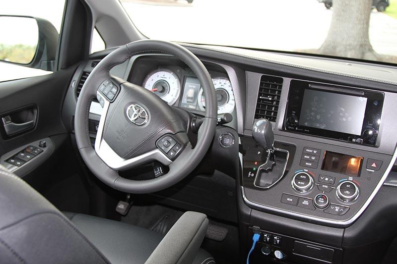 2017 Toyota Sienna SE Premium