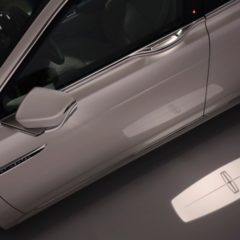 Lincoln Continental 2017 approach detection