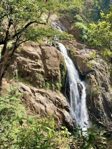 Hike to the Catarata Bijagual